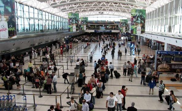 Hallaron más de 80 kilos de cocaína en un avión que estaba por despegar en el aeropuerto de Ezeiza