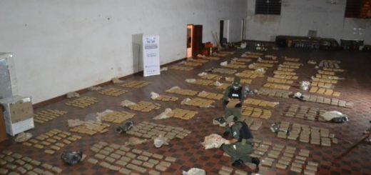 Gendarmería secuestró casi una tonelada de marihuana en Santa Ana