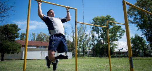Perdió una pierna en un accidente y hoy es ejemplo de superación en las filas del Ejército Argentino
