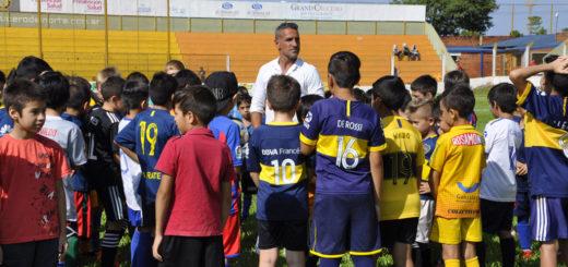 Con más de 200 niños se realizó la Clinica Deportiva a cargo de Raúl Cascini