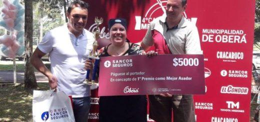 """Camila Chamorro campeona entre los hombres como """"Mejor Asadora"""" en Oberá"""