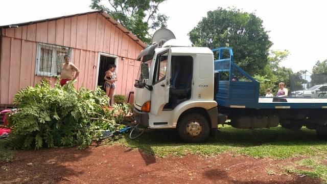 Camión estacionado quedó sin frenos y atropelló a un niño en Dos de Mayo