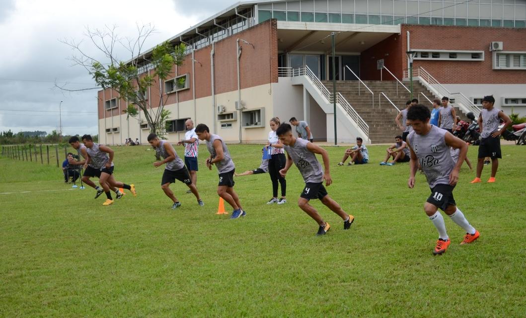 Los equipos misioneros que disputarán el Torneo Regional Amateur se ponen a punto físicamente