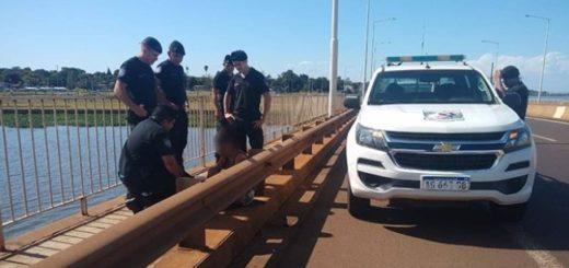 Una joven amenazaba con tirarse desde un puente en Posadas y la Policía la socorrió