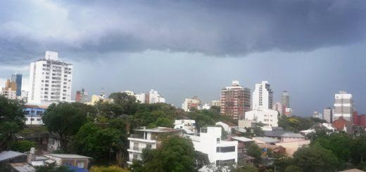 Alerta por la llegada de un frente de tormenta en Posadas