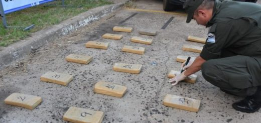 Detienen en Ituzaingó a un conductor que viajaba desde Posadas con 39 kilos de marihuana