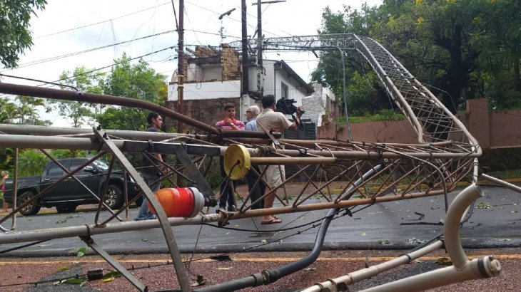 El temporal que azotó Posadas también afectó a Encarnación causando severos destrozos