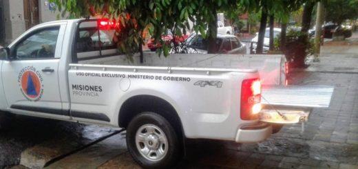 Rápida respuesta de Protección Civil tras el violento temporal en Posadas