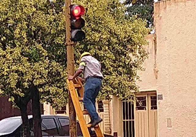 Siete semáforos fueron reparados después de la tormenta en Posadas