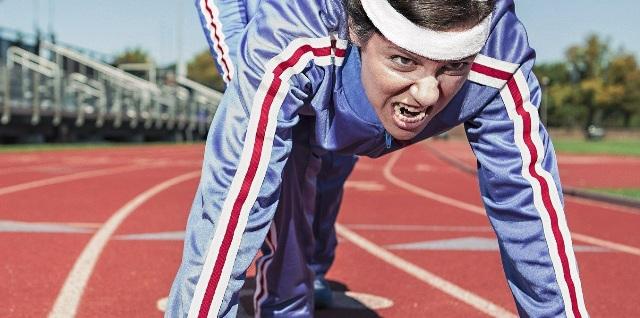 No te abrigues para hacer ejercicio: transpirar no es sinónimo de adelgazar