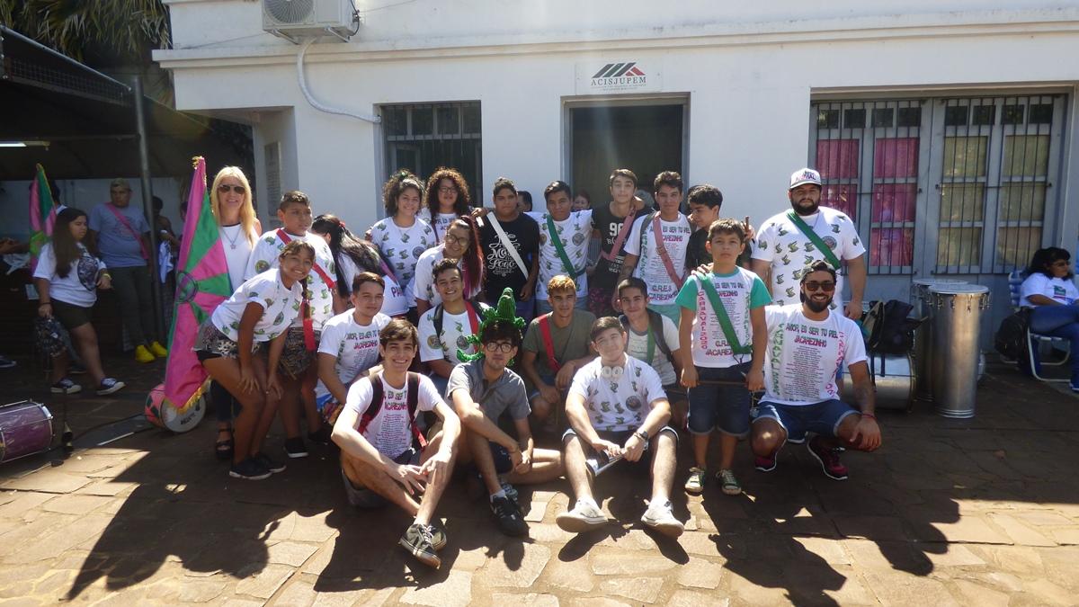 """El """"Paseo Bosetti"""" se vistió de música, magia y color con el lanzamiento de los """"Carnavales del Río Posadas 2020"""""""