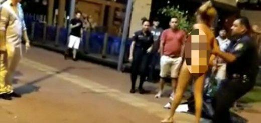 Demoraron a una mujer en la playa de Encarnación por desnudarse en un restaurante
