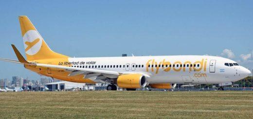 Flybondi: un avión debió aterrizar de emergencia en Ezeiza por fallas en un motor