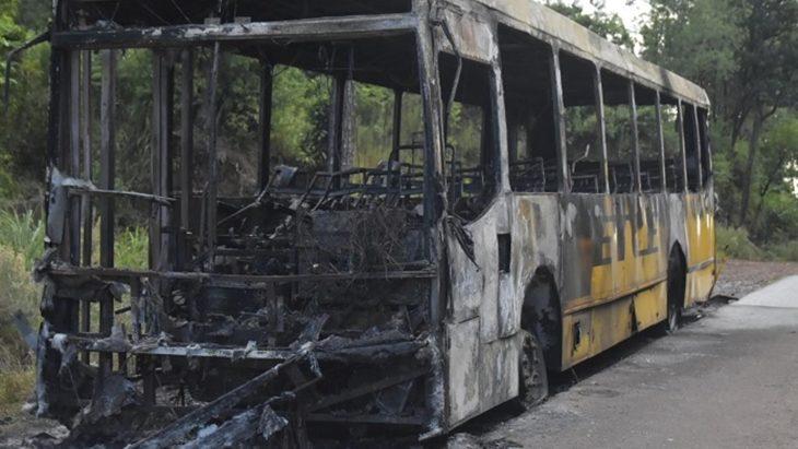 """Luego de que tres colectivos se incendiaron, ETCE lanzó un descargo por las """"opiniones malintencionadas"""""""