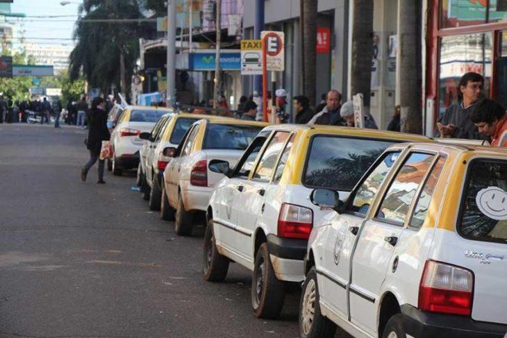 Taxistas y remiseros de Misiones piden ayuda económica pues afirman que la actividad se redujo en más del 90%