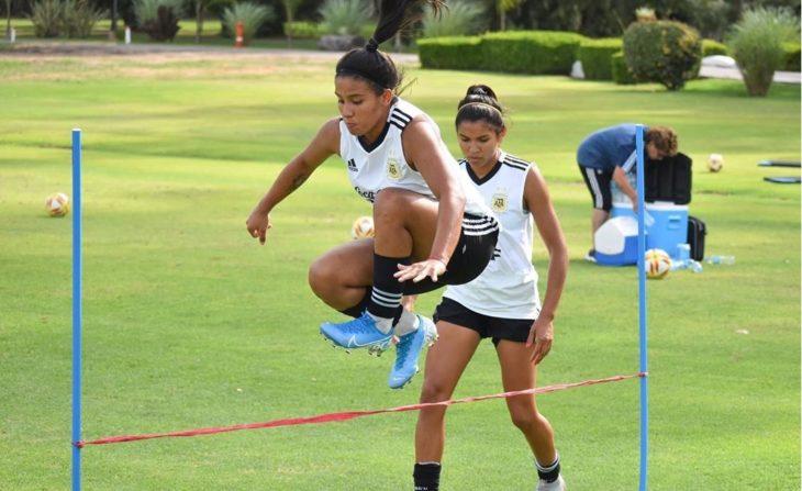 Fútbol femenino: la posadeña Milagros Otazú, finalizó la primera semana de entrenamiento con la Selección Argentina