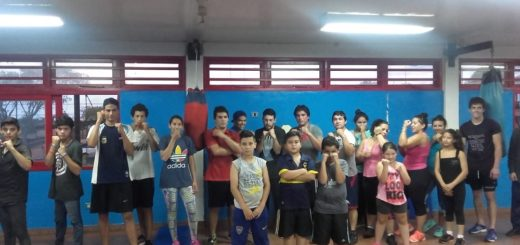 Brindan clases gratuitas en la Escuela Municipal de Boxeo de Posadas