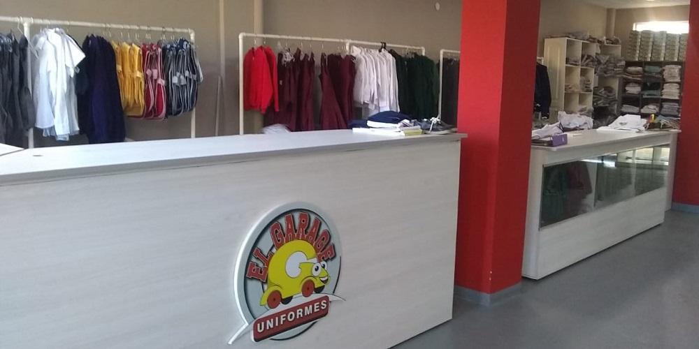 Con un nuevo local comercial, El Garage Uniformes presentó sus servicios y tentadoras colecciones