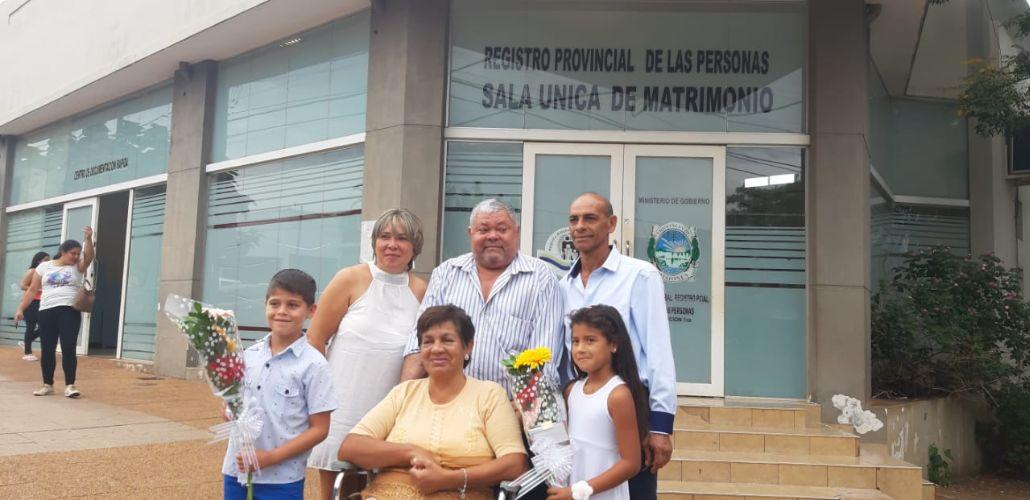 """Día de los Enamorados: la primera pareja que se casó en Posadas dio el """"gran sí"""" después de casi dos décadas juntos"""