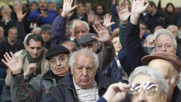 El Gobierno dio el primer paso hacia la redacción de una reforma jubilatoria