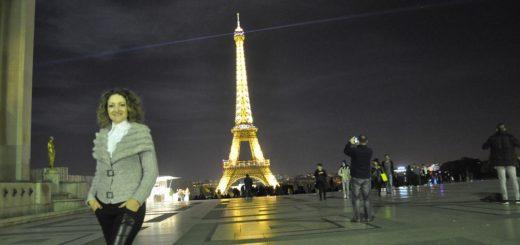 Celebrando el amor en la Tour Eiffel