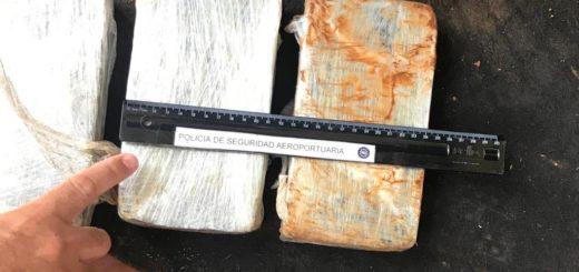 La PSA detuvo un auto con más de 21 kilos de pasta base en Iguazú
