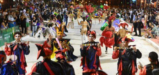 Con ritmo y color se cerraron los Carnavales del Río 2020 en Posadas
