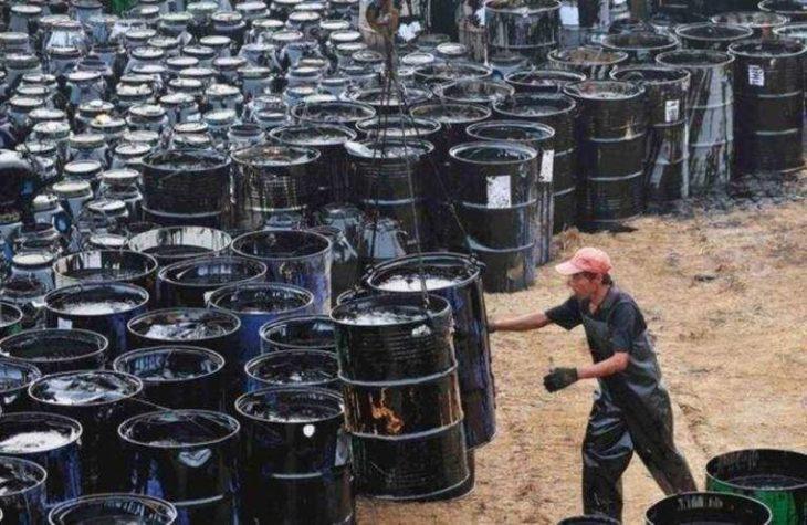 Economía: por el coronavirus, el precio del barril del Brent bajó 10 dólares