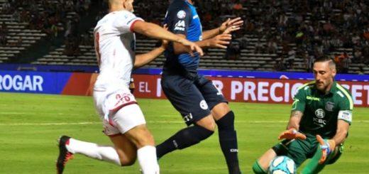 Superliga: Talleres le ganó 4-2 a Huracán en Córdoba