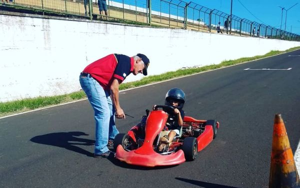 En el Autódromo Rosamonte los más chicos fueron pilotos de karting por un día