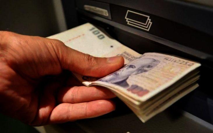 Pagarán el medio aguinaldo de estatales en cuotas para salarios superiores a 80 mil pesos