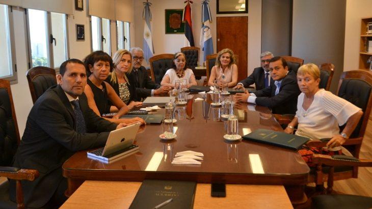 El reiterado robo de madera, de yerba mate, el abigeato y las víctimas de la violencia, los temas que abordaron el Gobernador Oscar Herrera Ahuad y los ministros del STJ de Misiones