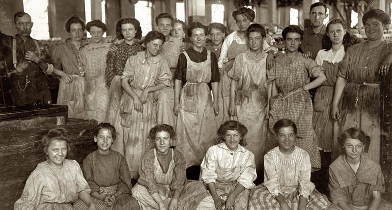¿Qué pasaba un 8 de marzo para que se designe el Día Internacional de la Mujer?