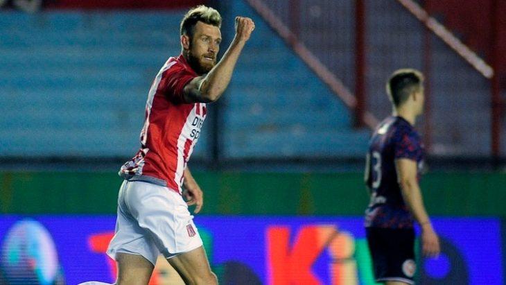 Racing y Estudiantes se miden en La Plata en el cierre de la Superliga