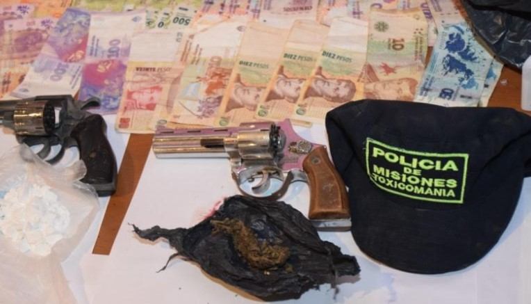 Narcomenudeo: durante un nuevo operativo Toxicomanía secuestró insumos, armas, drogas y detuvo a una persona en Posadas