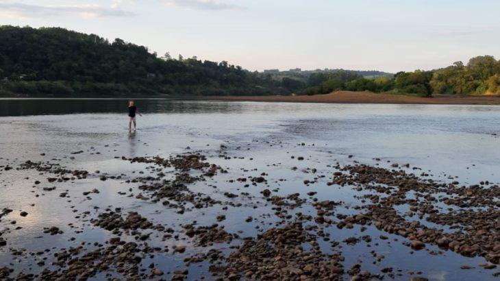 Preocupa la bajante del río Uruguay y prohibirán la pesca hasta que vuelva a su caudal normal