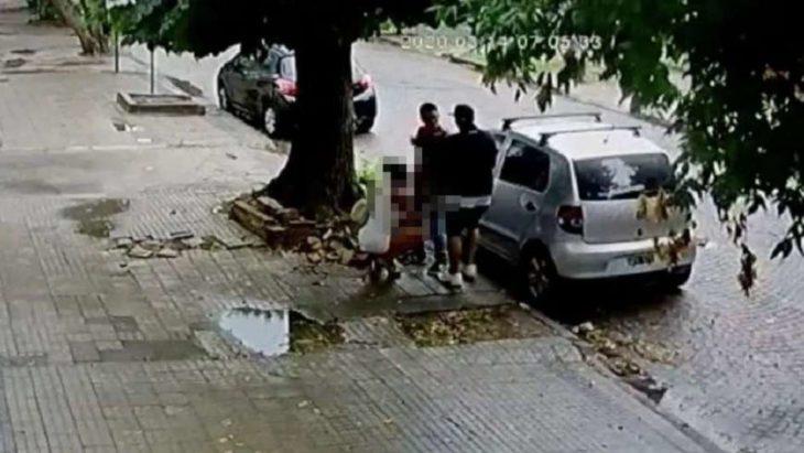 La Plata: un joven fue asaltado mientras mantenía relaciones sexuales en la vía pública