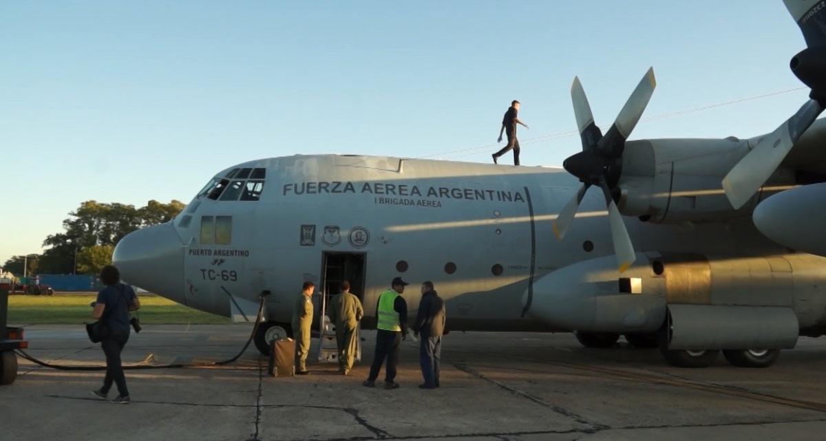 Dos aviones Hércules C-130 partieron hacia Perú para traer de regreso a 140 argentinos