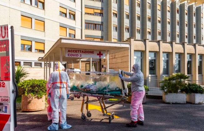 Los motivos que explican por qué el saldo del coronavirus es tan alto en Italia