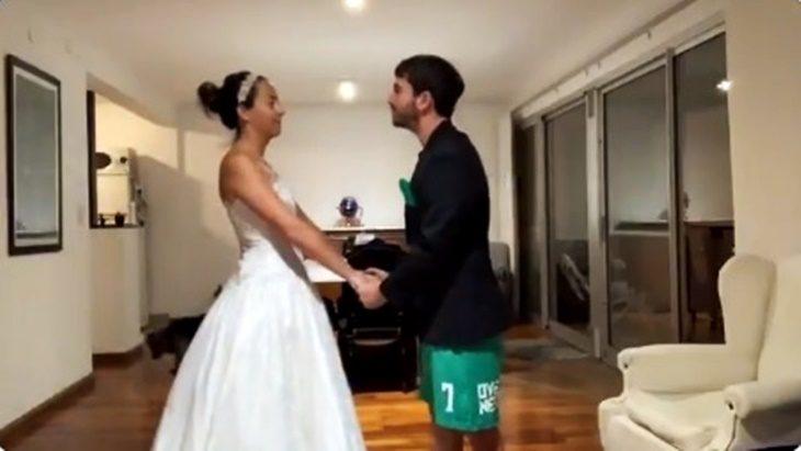 La boda que no fue: se iban a casar el fin de semana pero la cuarentena los obligó a realizar una ceremonia poco usual