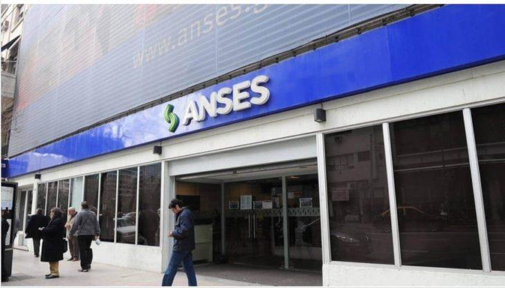 Coronavirus: Anses lanzó el cronograma de inscripción para cobrar los $10.000 de Ingreso Familiar de Emergencia