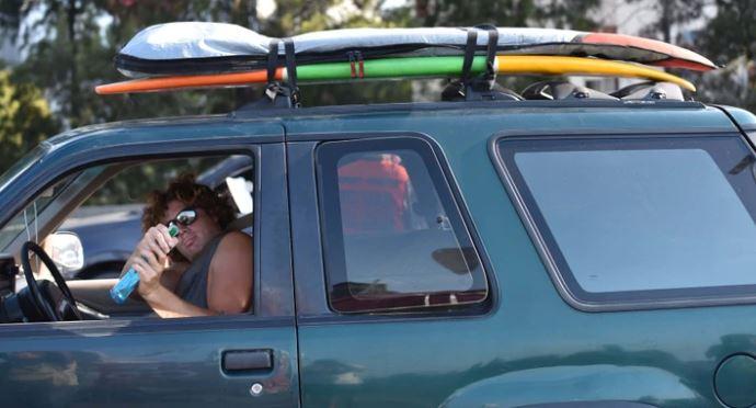 Coronavirus: Alberto Fernández calificó de «idiota» al surfer que violó la cuarentena y se escapó a un balneario turístico