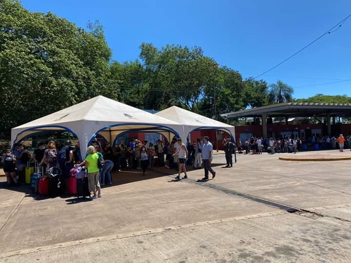 """Coronavirus: el intendente de Iguazú exigió a Nación un puente aéreo Foz - Buenos Aires y amenaza con """"medidas drásticas"""" de no atenderse ese reclamo"""