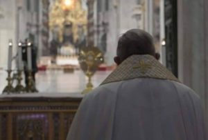 El Mensaje del Papa Francisco en la bendición Urbi et Orbi con indulgencia plenaria pidiendo el fin del coronavirus