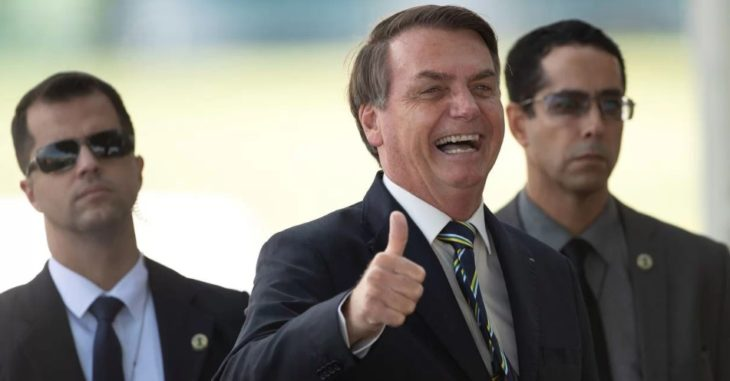 Facebook borra videos de Bolsonaro por 'desinformar'