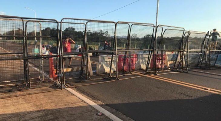 Coronavirus: dejaron ingresar al país a los argentinos varados sobre el puente fronterizo Tancredo Neves