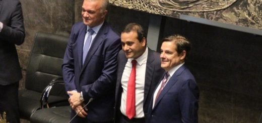 Coronavirus: Carlos Rovira, Oscar Herrera Ahuad y Carlos Arce aportarán sus sueldos a la emergencia sanitaria e invitaron a los demás funcionarios y legisladores a imitarlos
