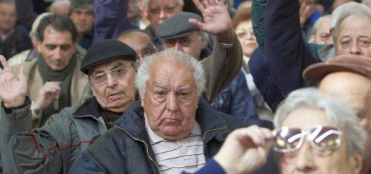 Coronavirus: recomiendan a los beneficiarios de la AUH no ir a los bancos el viernes para dar prioridad a los jubilados