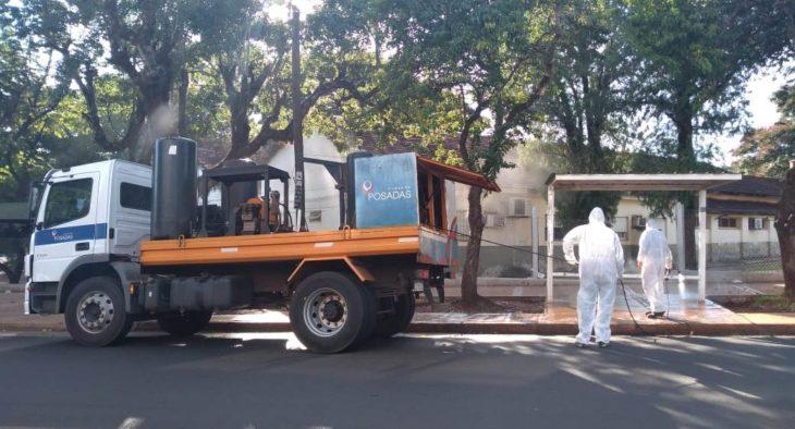 Realizan limpieza de veredas y desinfección con alcohol en gel en cajeros de Posadas