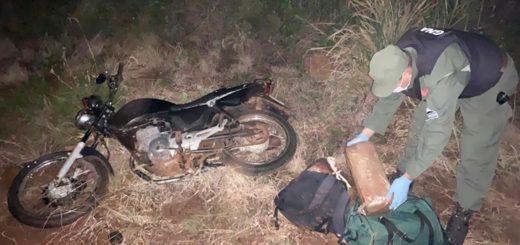 Efectivos de la Gendarmería detuvieron a un motociclista con más de 17 kilos de marihuana en ruta provincial n°8